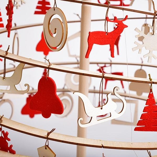 Božični okraski iz lesa in filca