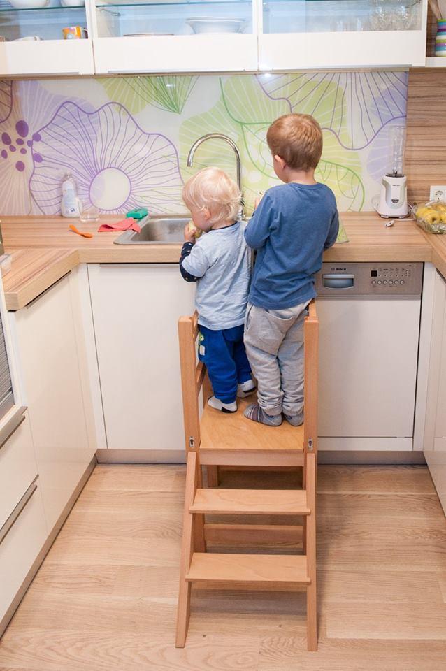 učni stolp - nepogrešljiv pripomoček za razvoj otroka